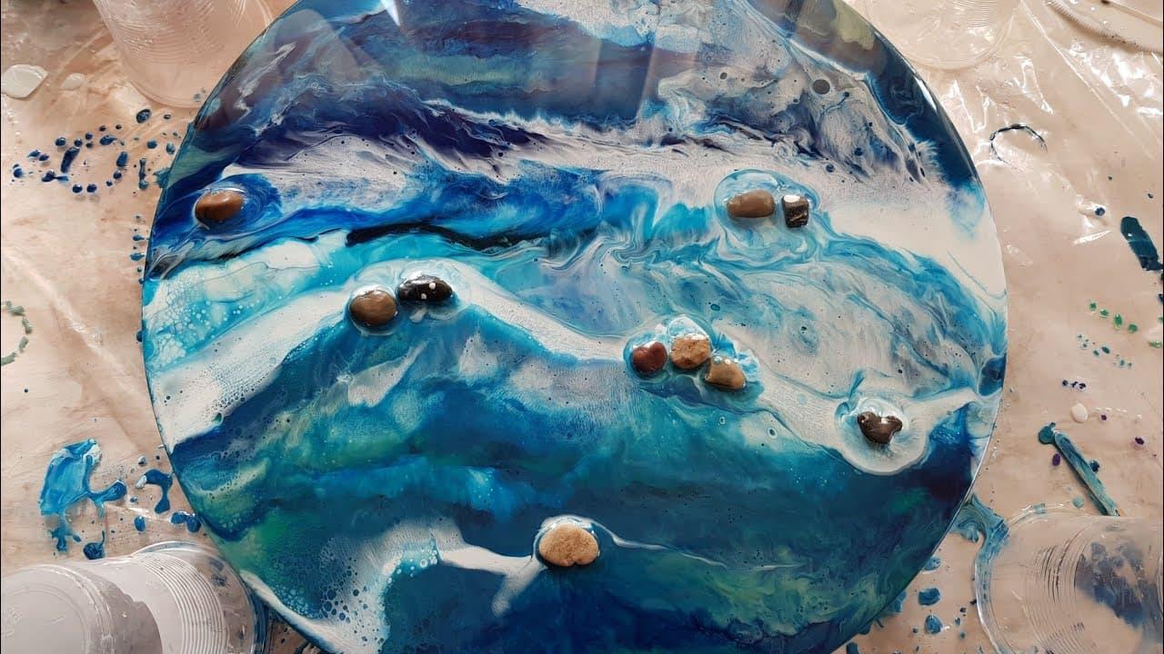 """Картина из эпоксидной смолы, написанная с применением эффектов """"пены"""" и """"волны"""""""